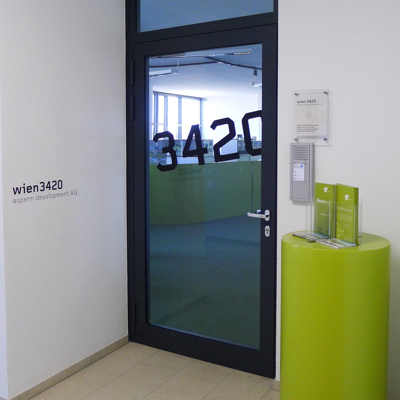 Wien 3420 Printdesign Eingangsbereich